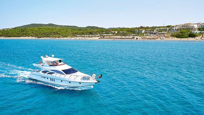 Yachts for Sale : Azimut, 62 ft, 2002