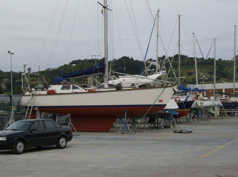 Yachts for Sale : Dudley Dix, 1998
