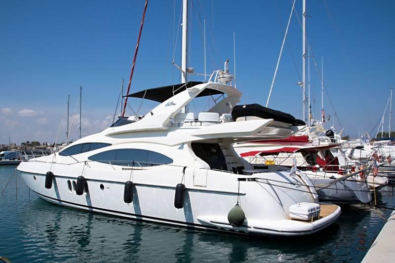 Yachts for Sale : Azimut, 68 Plus / 2001