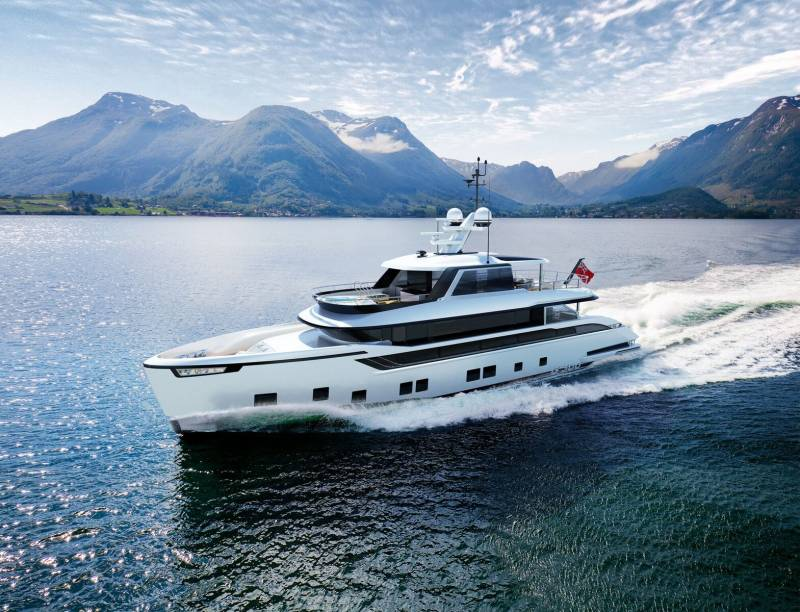 Yachts for Sale : Dynamiq, Global 300