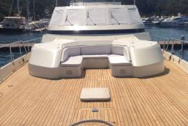 Azimut, Fly Bridge 105
