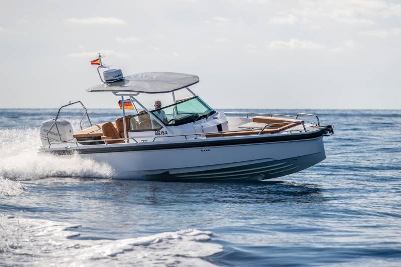 Yachts for Sale : Axopar, 28TT