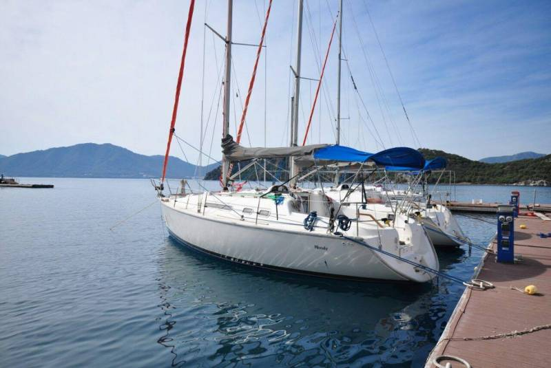 Yachts for Sale : Moody, S 31