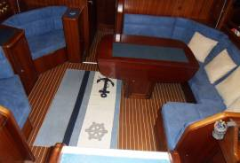 Bavaria, 47 Ocean Centre Cockpit