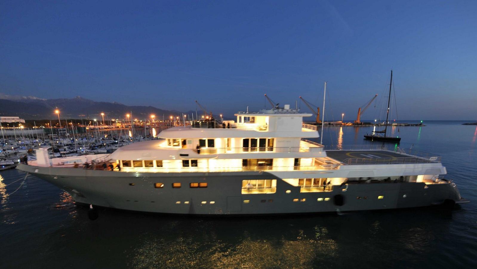 Admiral Yacht 75 Meter - Planet Nine
