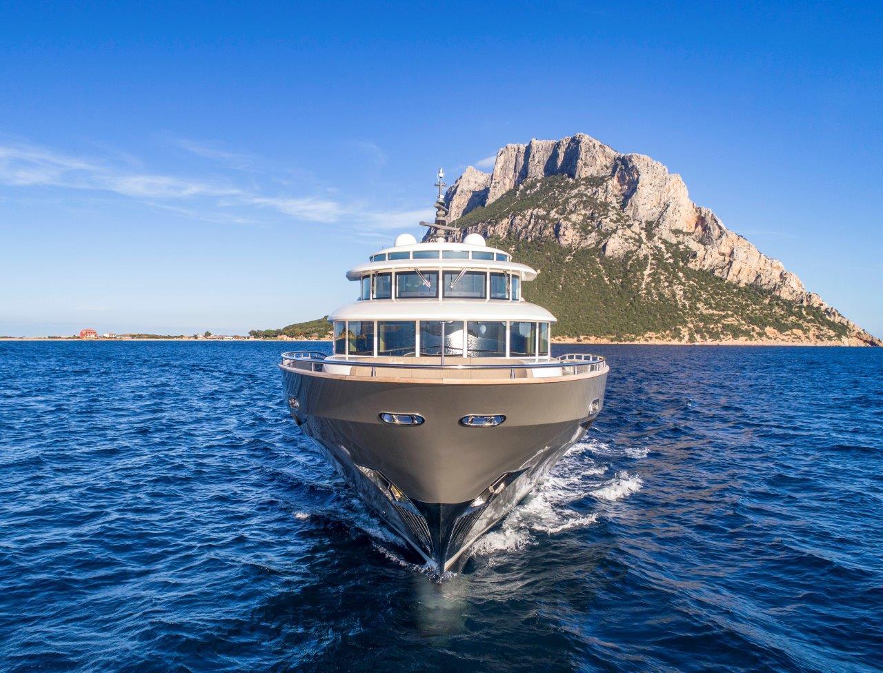 Filippetti Yacht N26 Maxima - Bow View