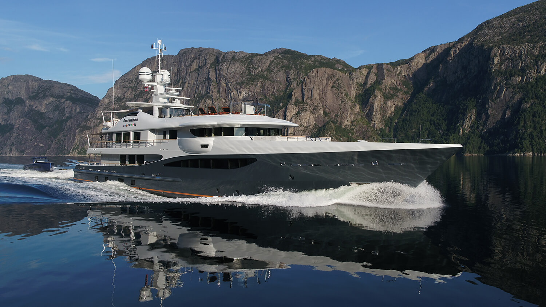 Amels Yacht 180 - Gene Machine