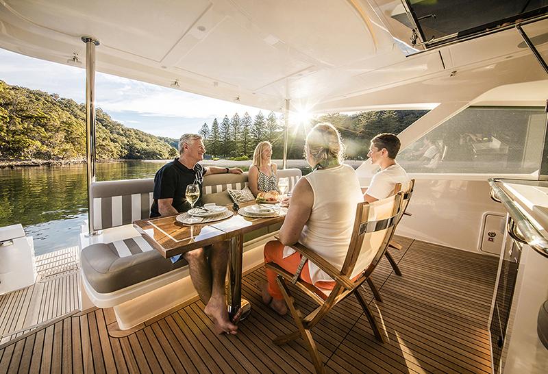 Riviera 68 Sports Motor Yacht Mezzanine