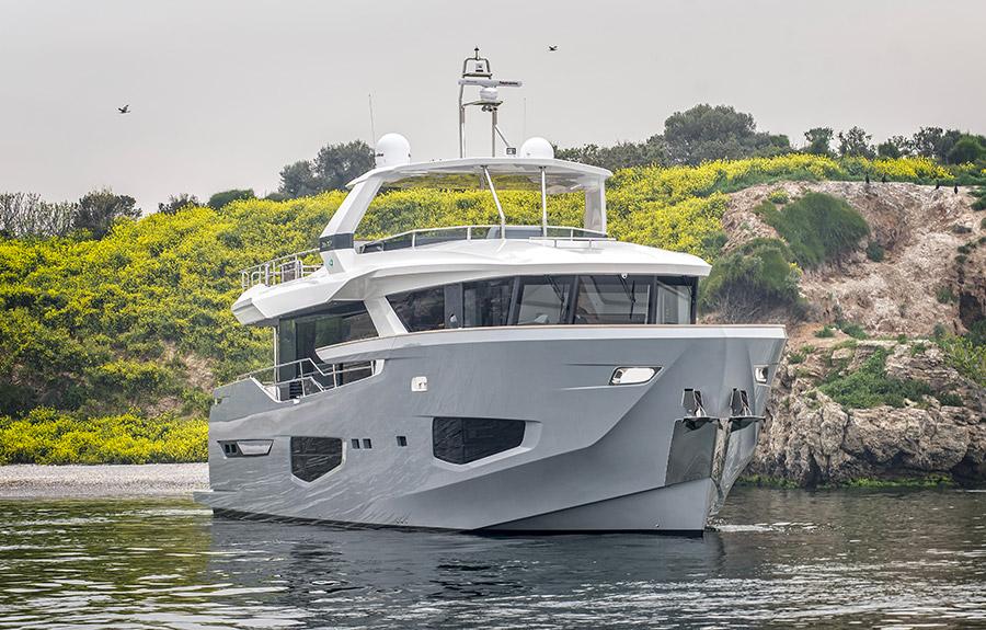 Numarine Yacht 26XP (Front View)