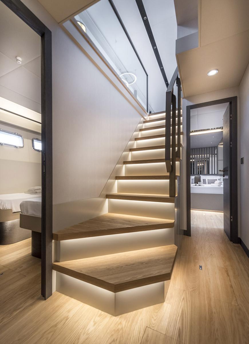 Numarine Yacht 26XP - Stairs