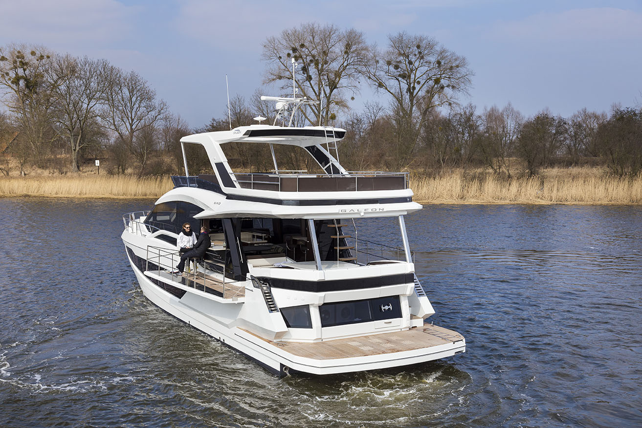 Galeon Yacht  64 Fly - AFT View