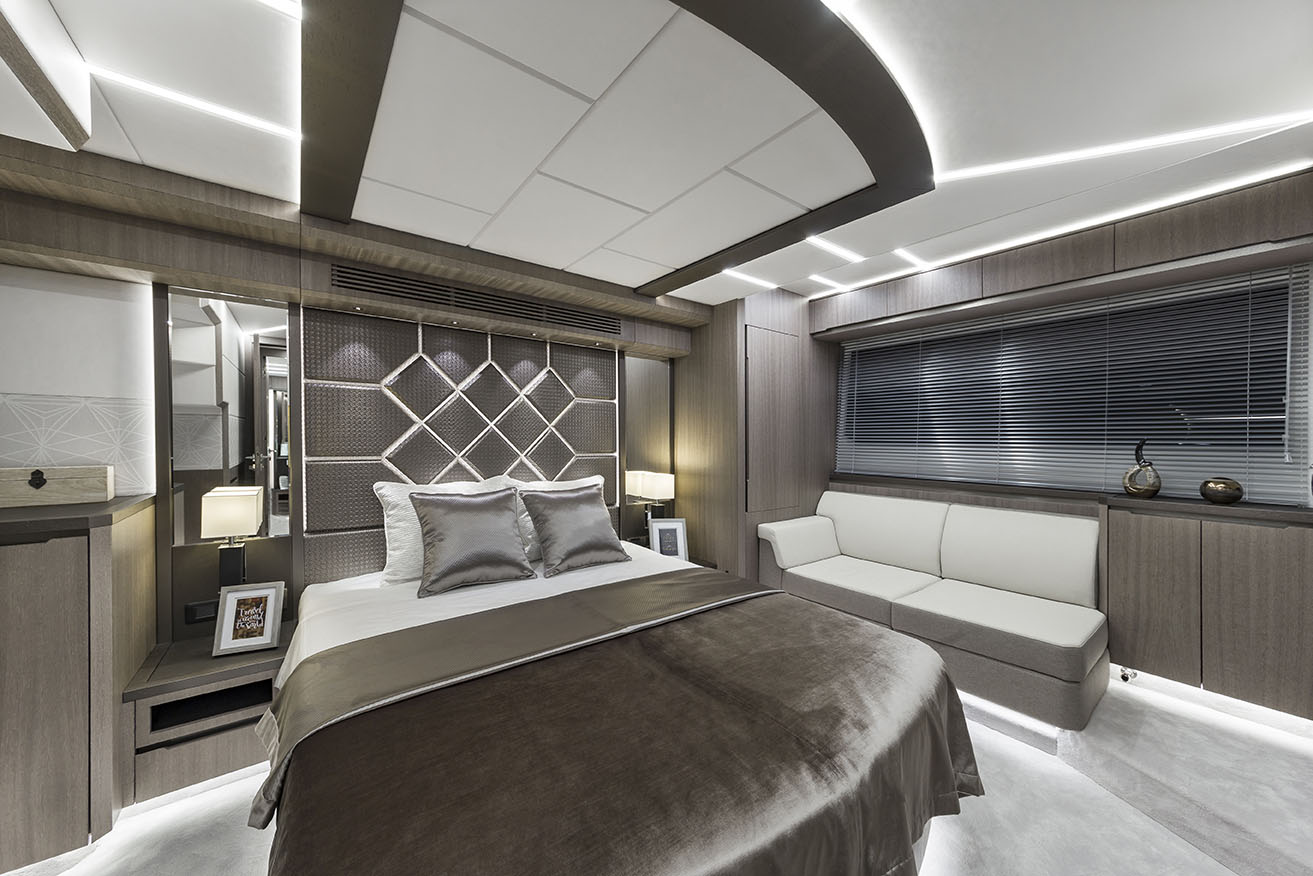 Galeon Yacht  64 Fly - Master Cabin