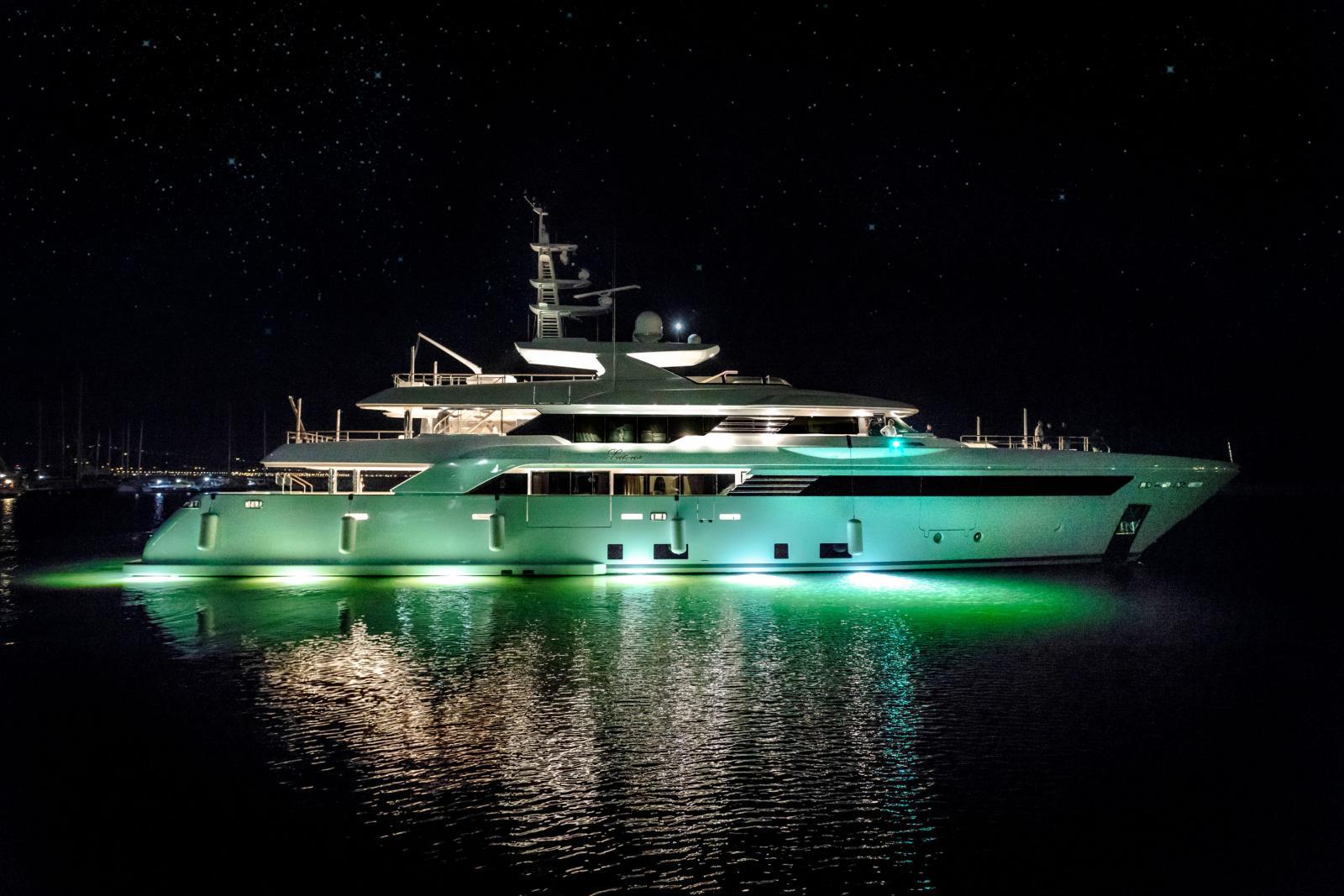 CRN Yacht Latona 50M