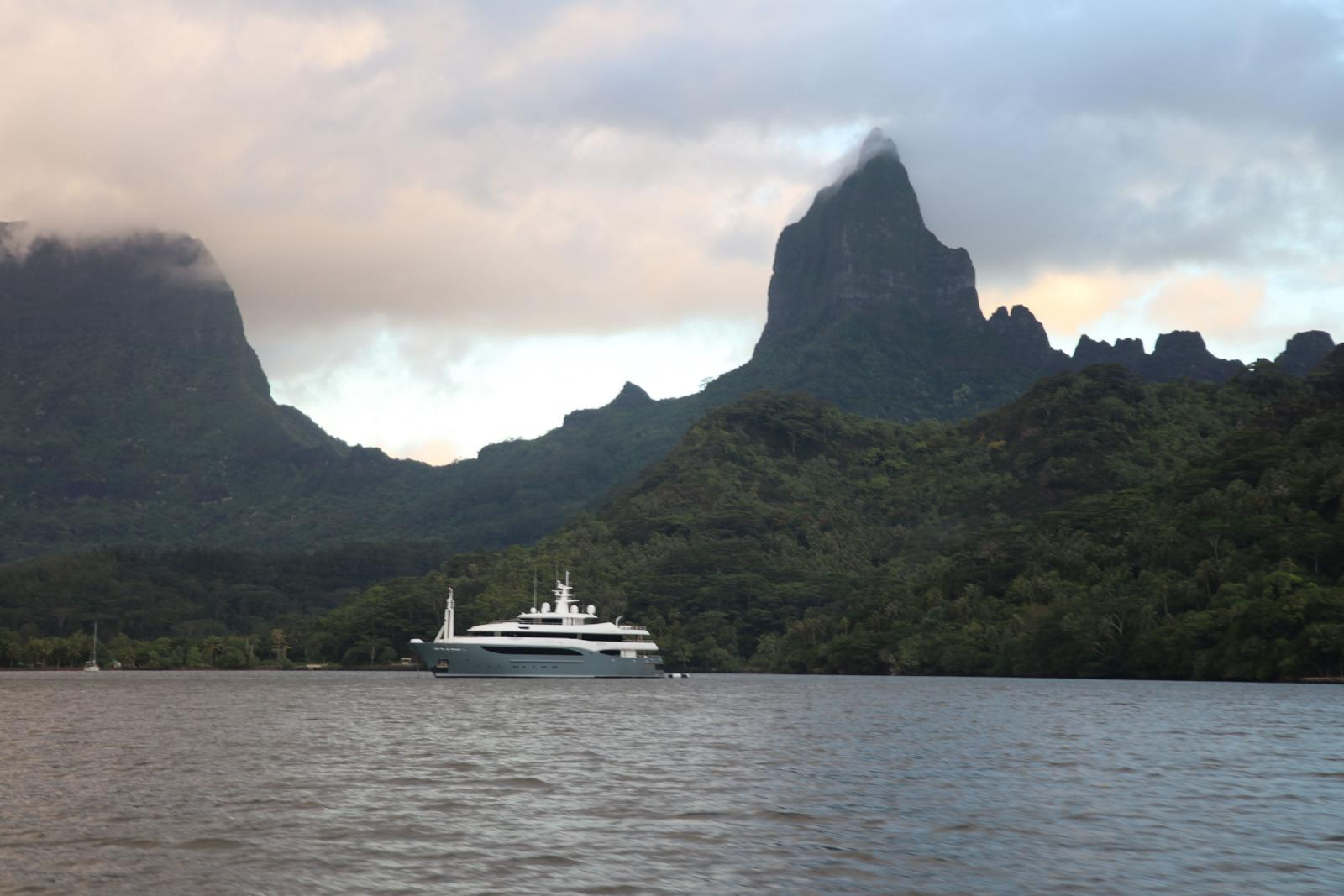 CRN Yacht Constance 60M