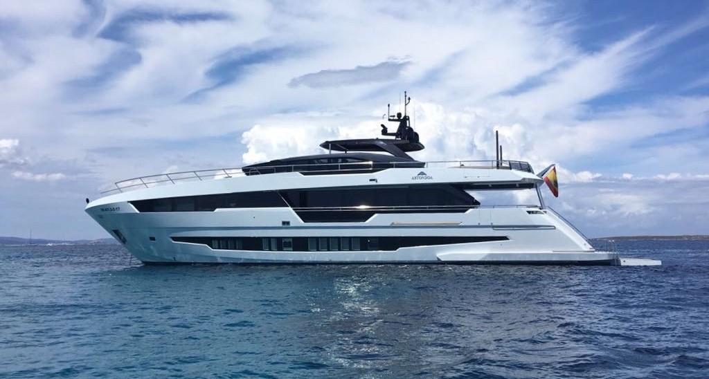 Astondoa Yacht 100 Century