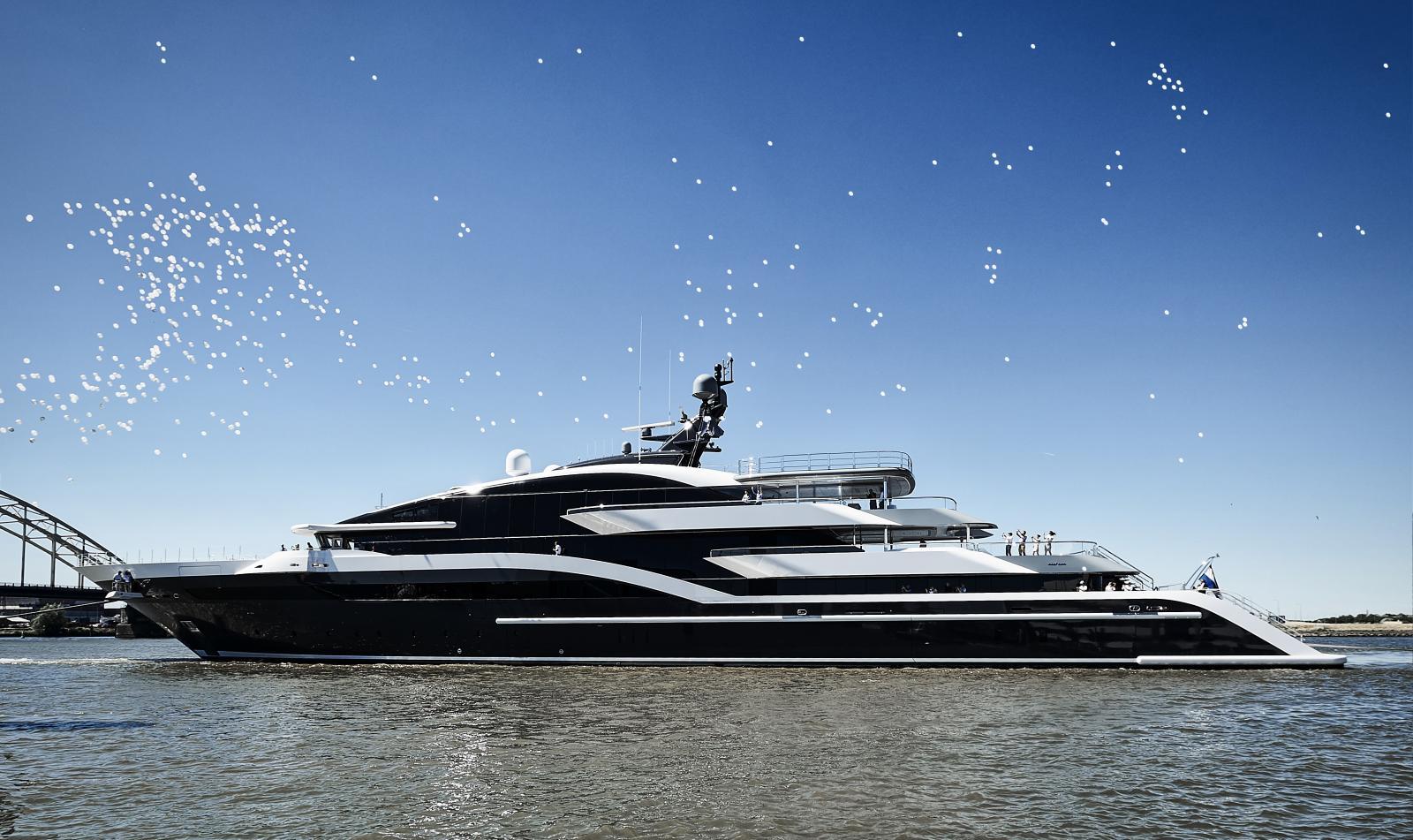 Oceanco Superyacht 90M (295 ft.)