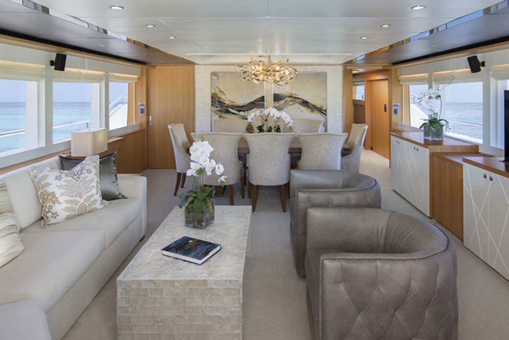 Johnson Yachts 93 - Salon 1