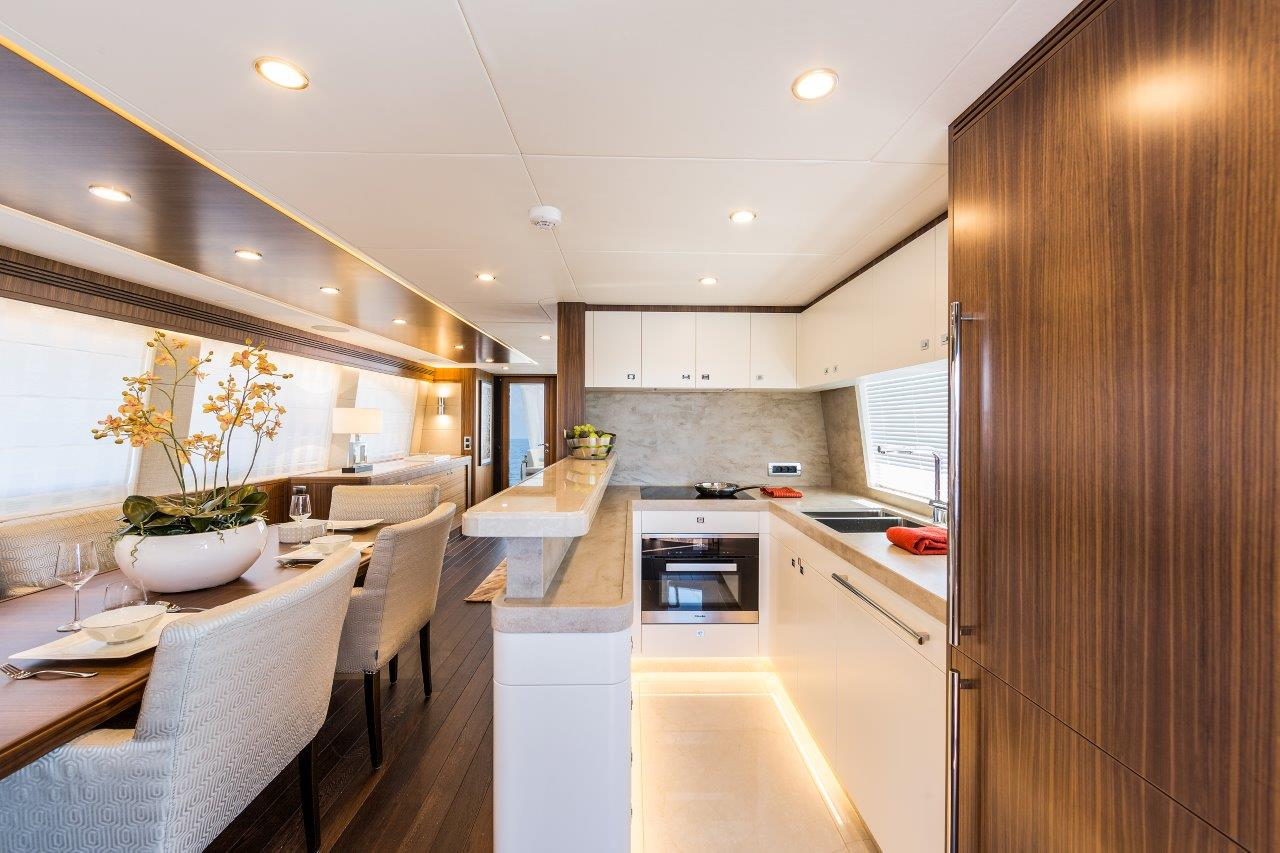 Van Der Valk Yacht - Joy Galley