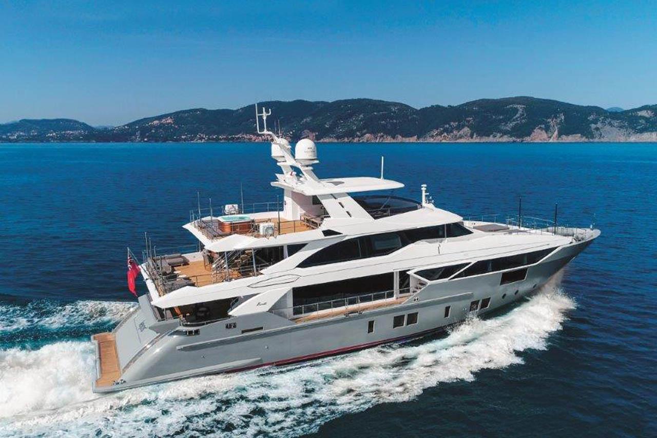 Benetti Yacht 125 Lejos 3