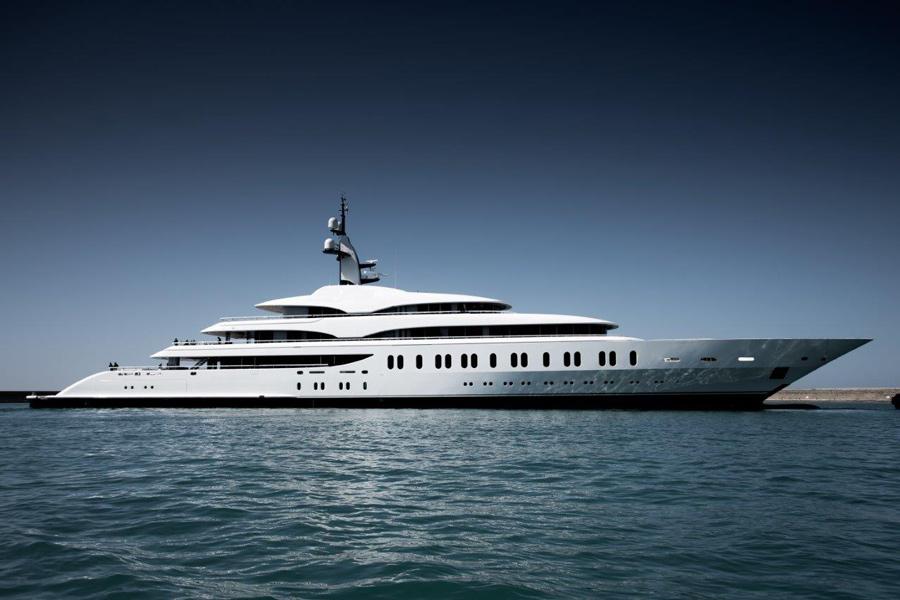 Benetti Yacht FB275