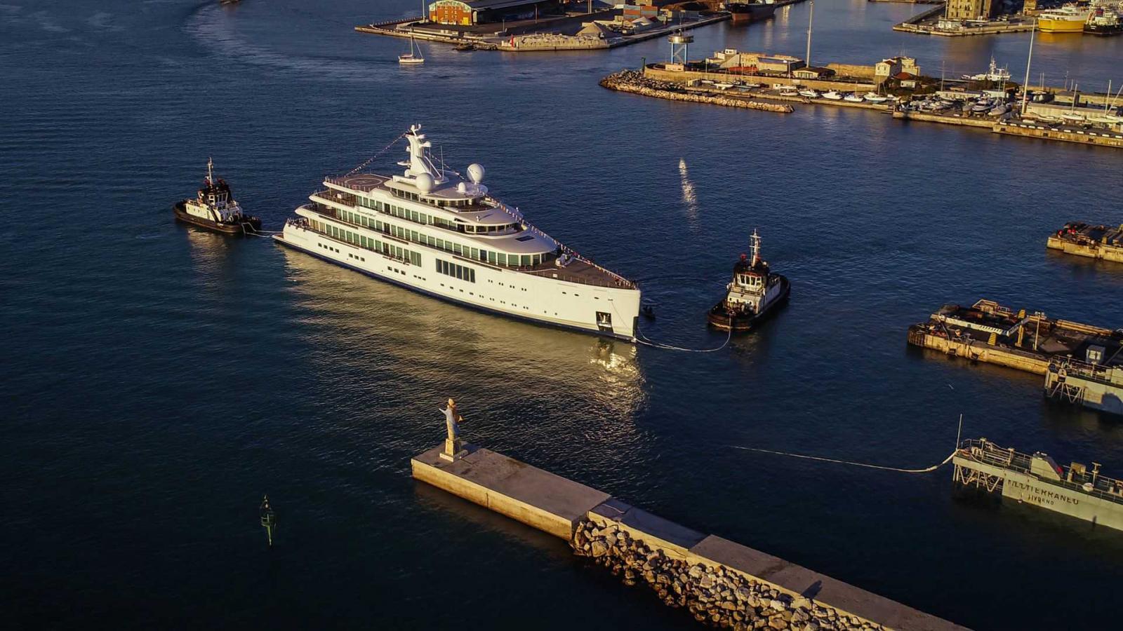 Benetti Yachts FB727