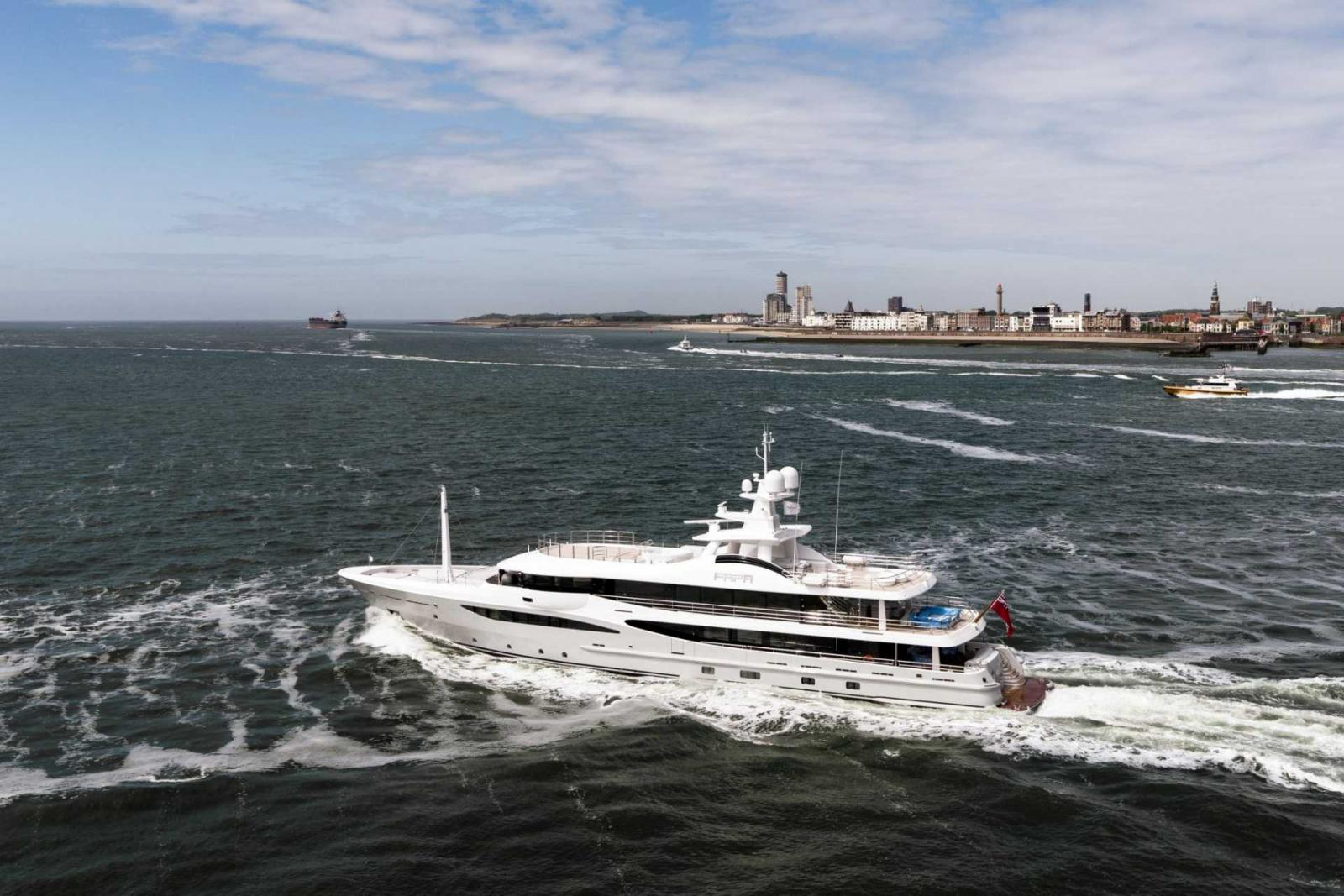 Amels & Damen Yacht