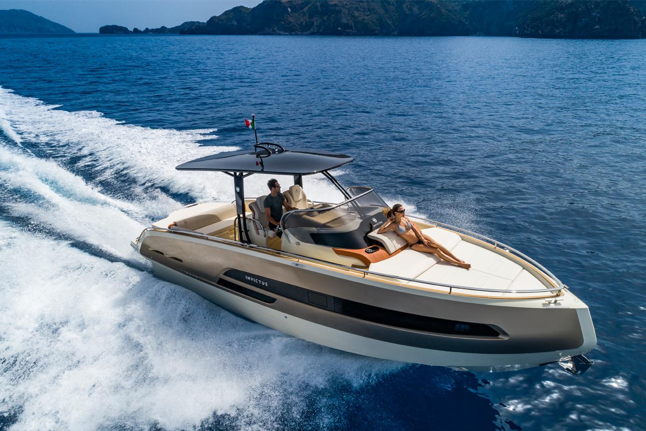 Invictus Boat 320GT