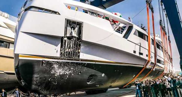 49M Aurora Launched at Rossi Navi - اليخوت الأخبار