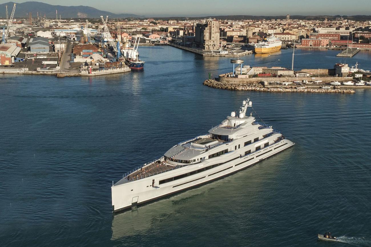 Benetti Giga Yacht FB 277
