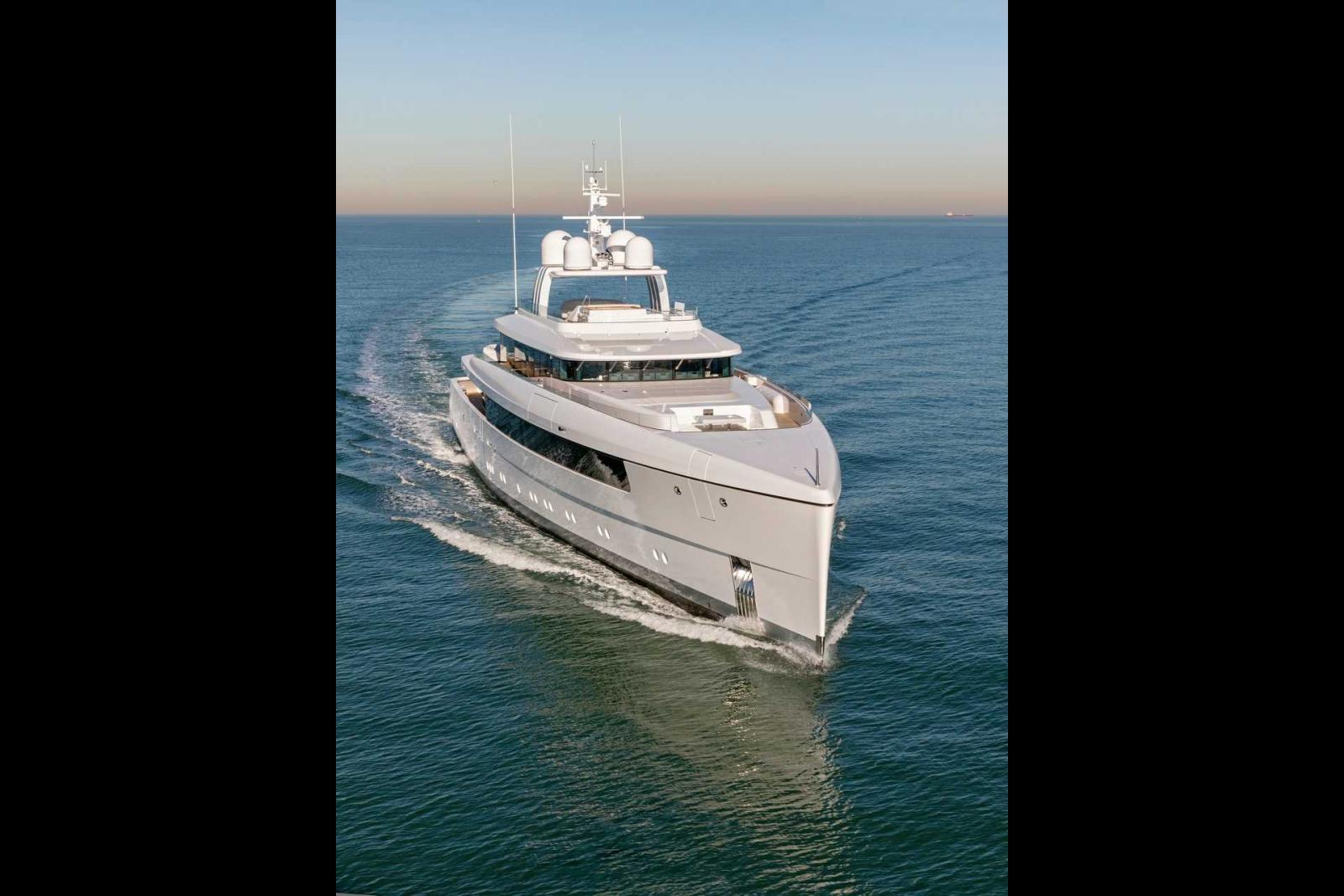 Feadship Najiba Superyacht