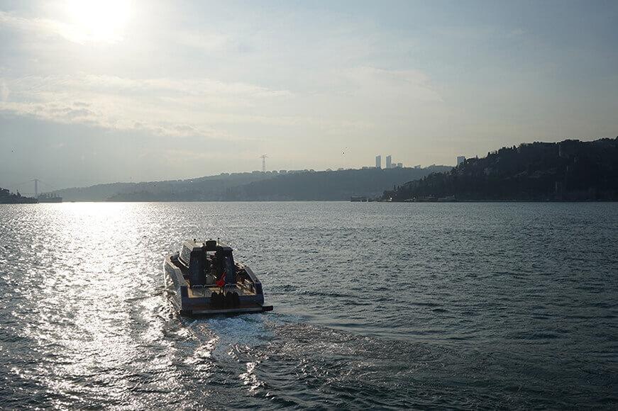 Mazu Yacht 42