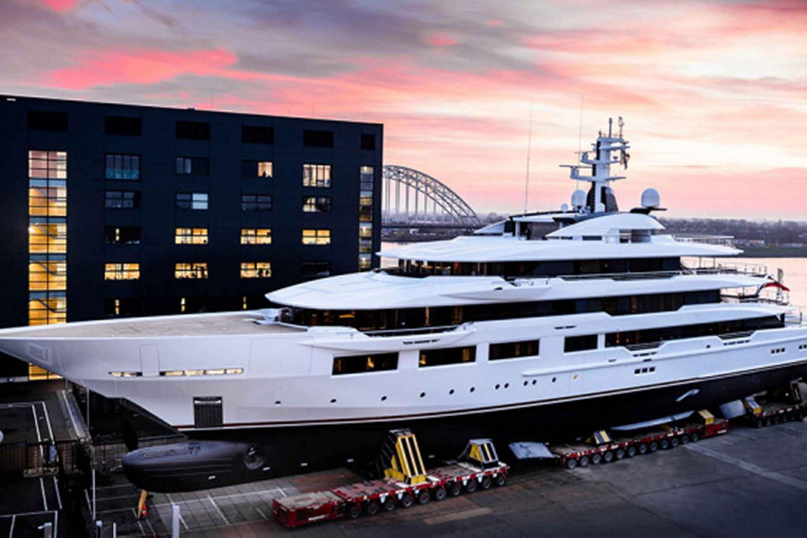 Oceanco Superyacht DreAMBoat 90M