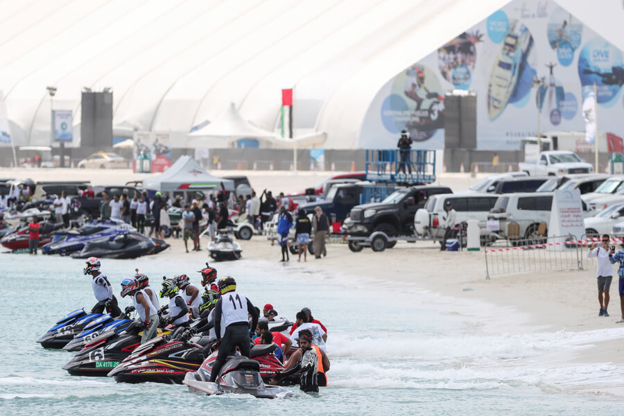 Phoenician Boat - Racers get set to begin at the UAE Aquabike Championship