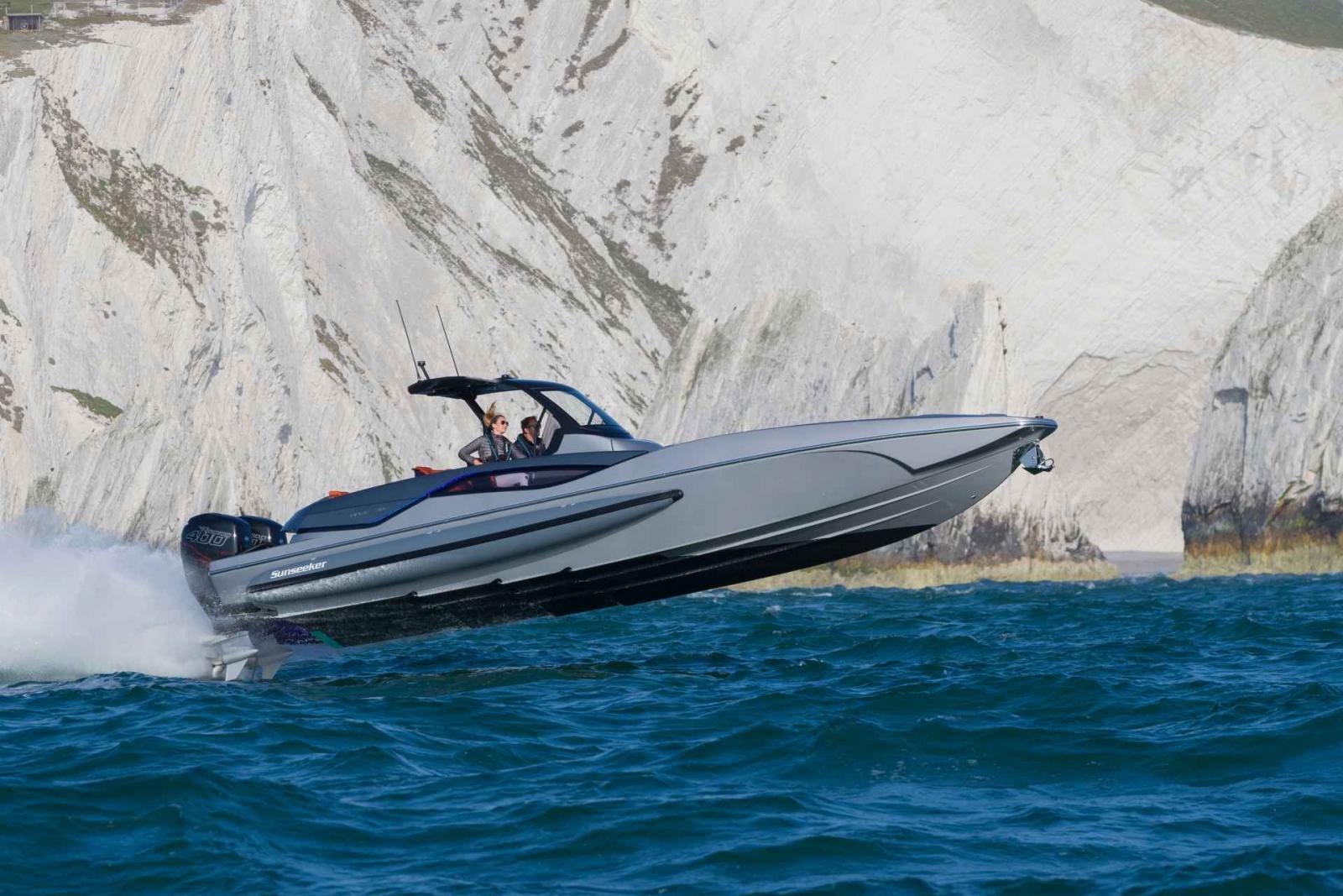 Sunseeker Yacht Hawk 38