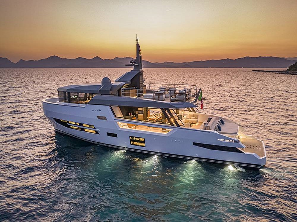"Arcadia Sherpa XL Technological Innovations to Increase Comfort Aboard - Phoenician Boat"" alt=""Arcadia Sherpa XL Technological Innovations to Increase Comfort Aboard - Phoenician Boat"